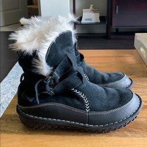 Sorel lined waterproof boots (size 7)